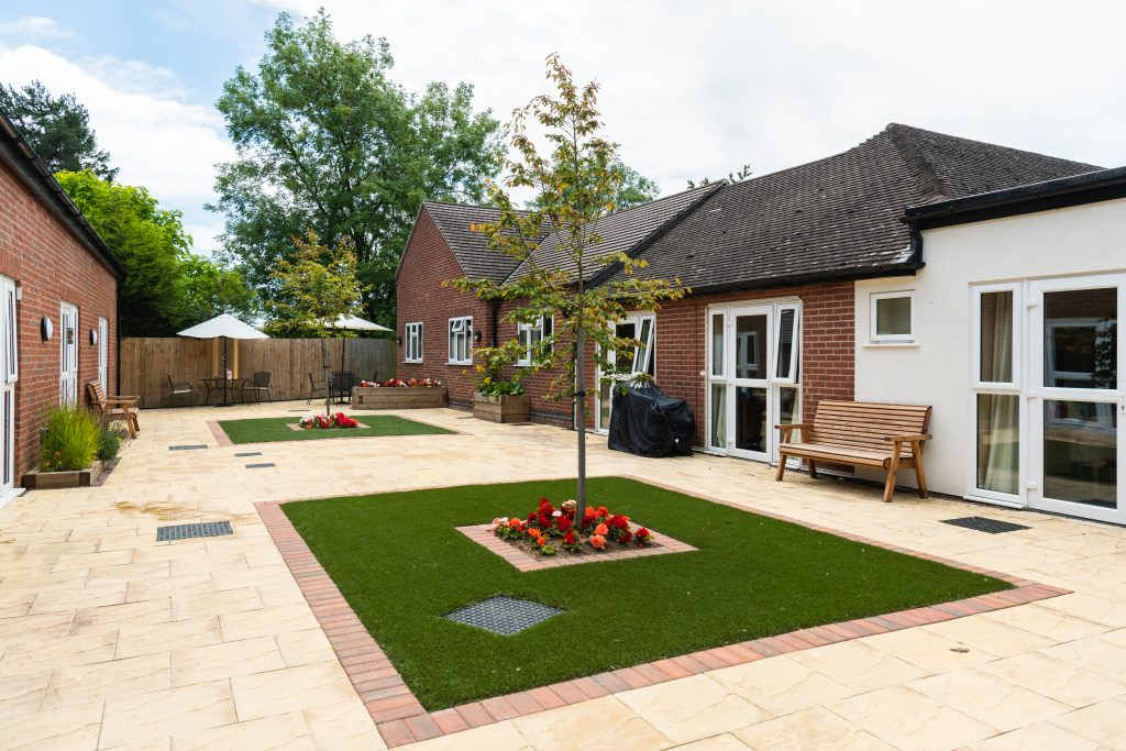 Small garden outside of care home.